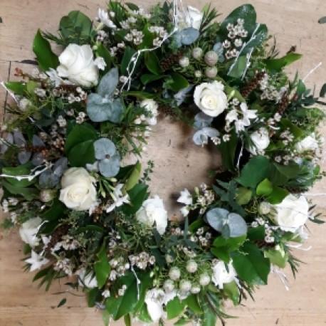 Woodland white wreath